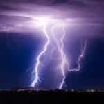 आकाशीय बिजली गिरने से 26 लोगों की मौत